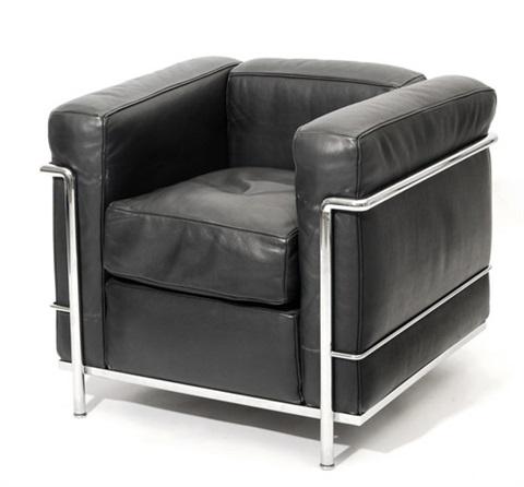 Fauteuil Grand Confort LC2, design Le Corbusier, Charlotte Perriand et Pierre Jeanneret, 1928.