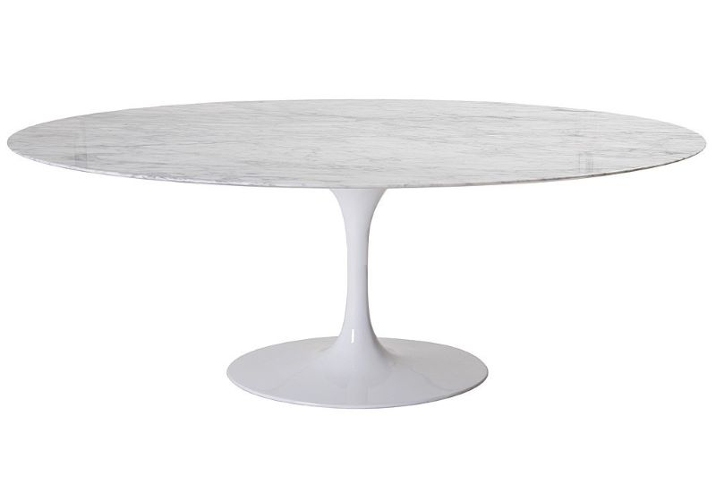 Table ovale, design Eero Saarinen pour Knoll.