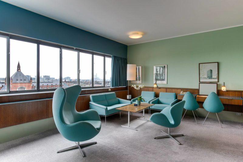 Suite 506 du Royal Hôtel de Copenhague, meubles et sièges conçus par Arne Jacobsen