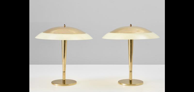 Paire de lampes, modèle n°5061, laiton et verre coloré, design Paavo Tynell pour Taito Oy