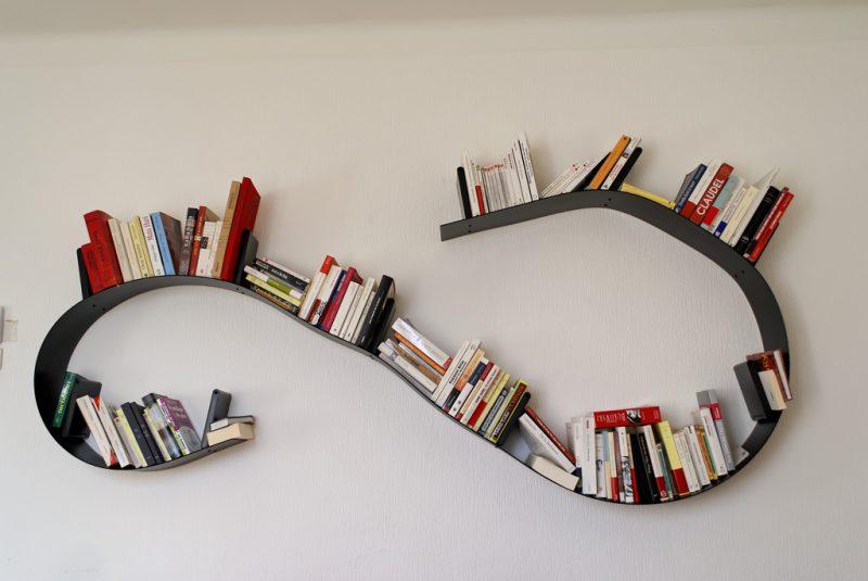 Etagère Bookworm, design Ron Arad pour Kartell, 1994