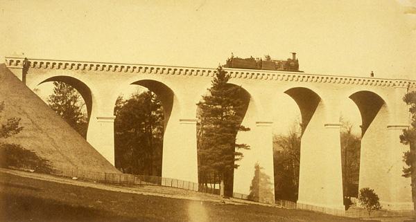 """Edouard Baldus, Paysage pris du Viaduc de Chantilly, sur la thématique """"Patrimoine de Paris"""", Mission héliographique de 1851"""